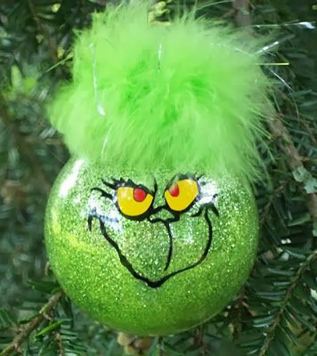 DIY Green Christmas Ball Ornaments
