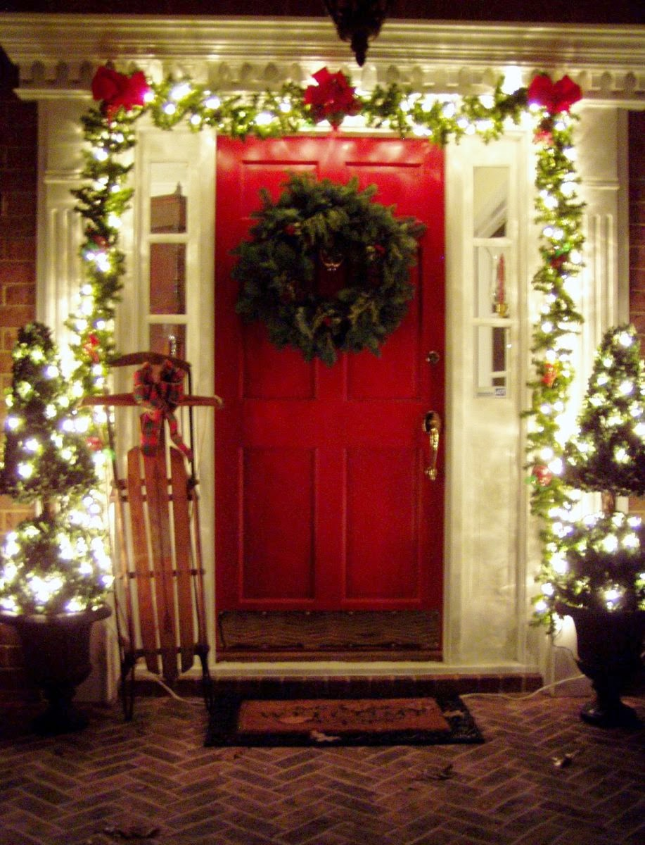 DIY Outdoor Christmas Decorating Ideas for Porch