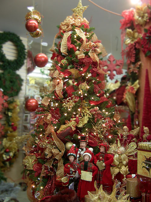 Red Christmas Tree Decorating Ideas