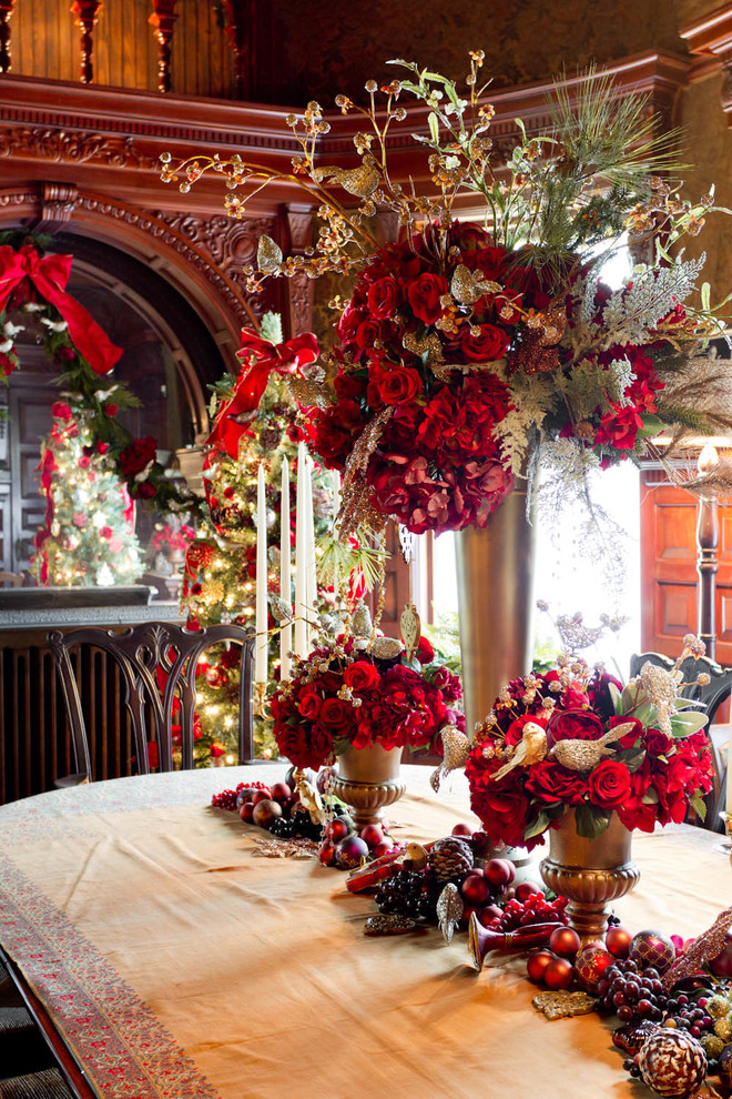 Traditional Dining Room Decoration