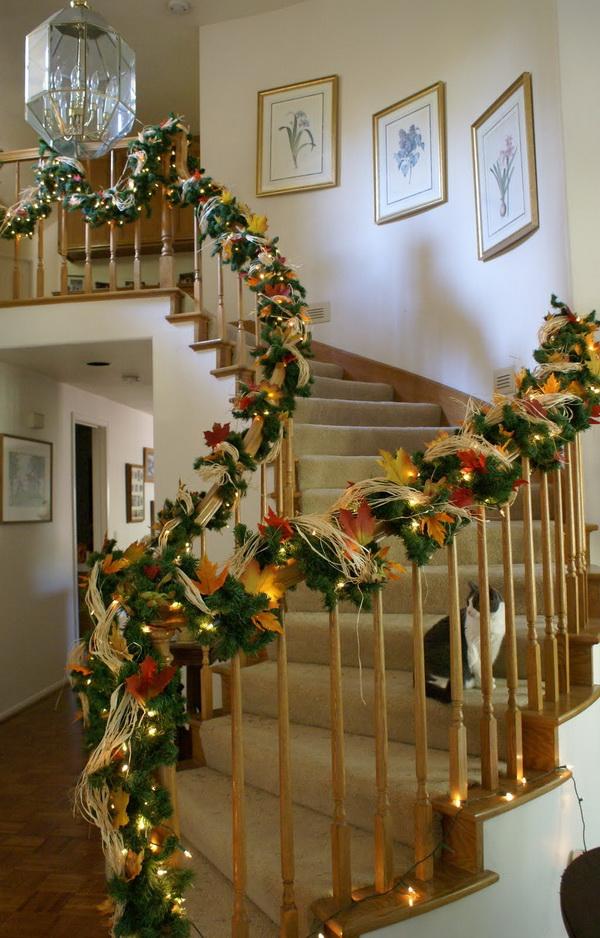 Christmas Staircase Decoration Ideas