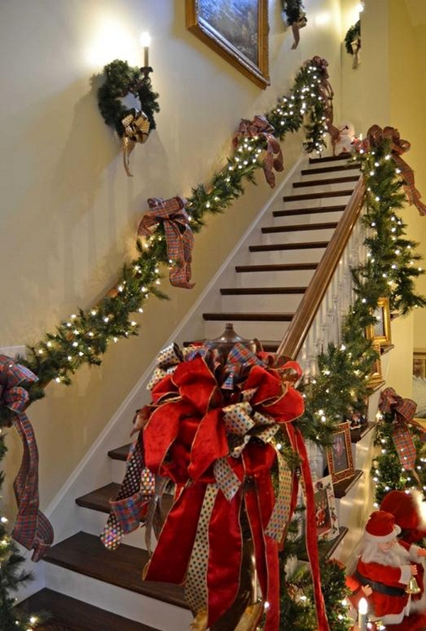 Christmas Staircase Decorations Idea
