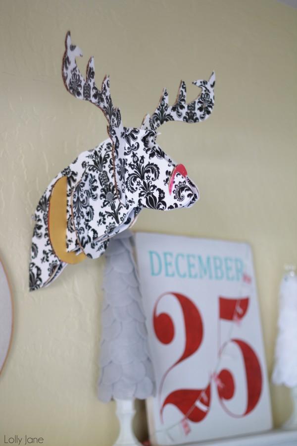 DIY Christmas Wall Decoration