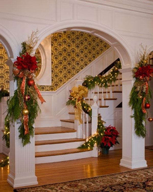 Monument Avenue Richmond VA Christmas Decorations