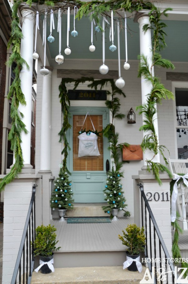 Outdoor Christmas Decoration Front Porch Ideas
