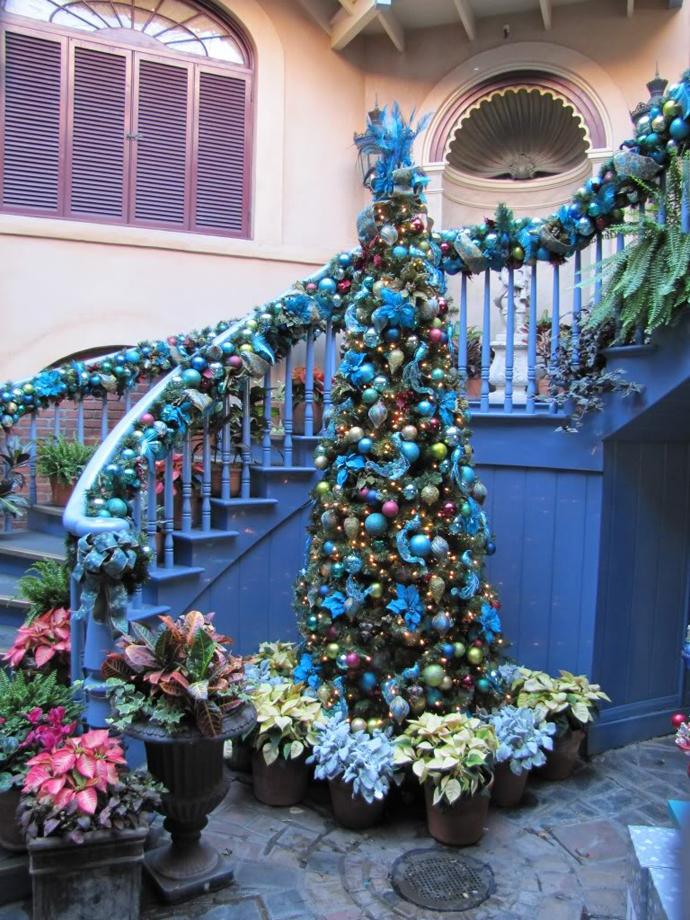Staircase Christmas Decoration Idea