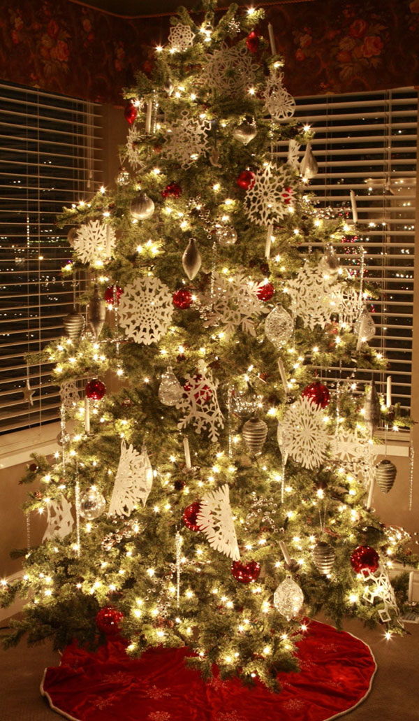 Christmas Tree with Cutout Snowflakes Ornaments
