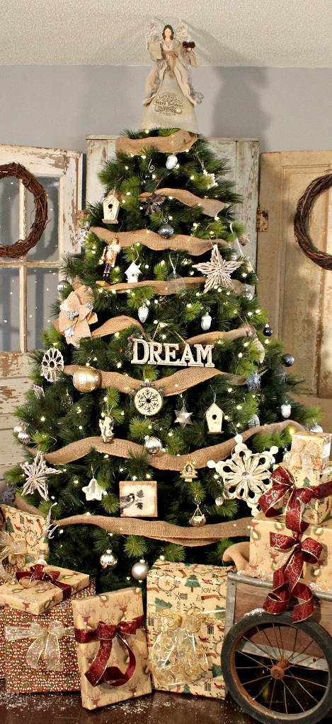 Rustic Christmas Tree Thewowdecor