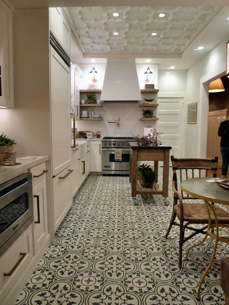 Traditional-Home-Designer-Kitchen-Design