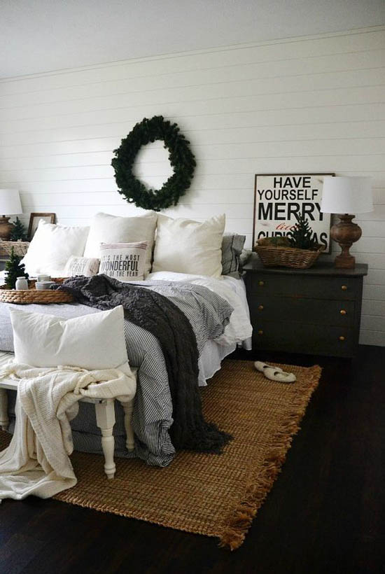 Christmas Bedroom Decor Ideas thewowdecor (30)