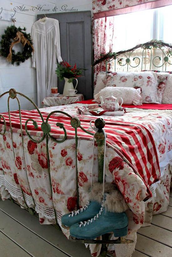 Christmas Bedroom Decor Ideas thewowdecor (5)