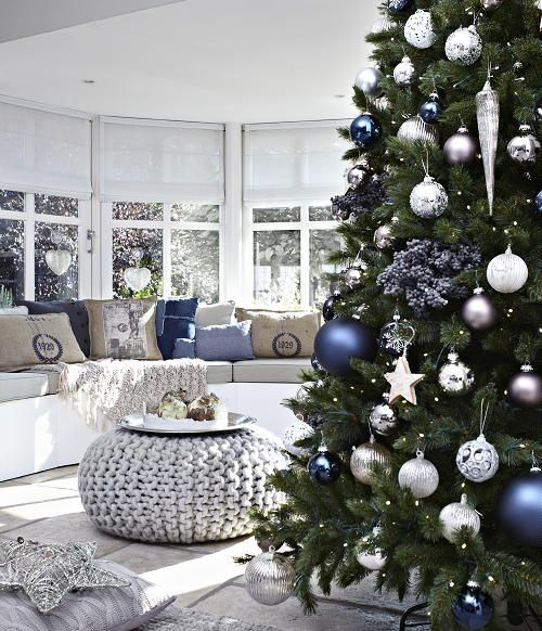 Christmas Living Room Decor Ideas thewowdecor (24)