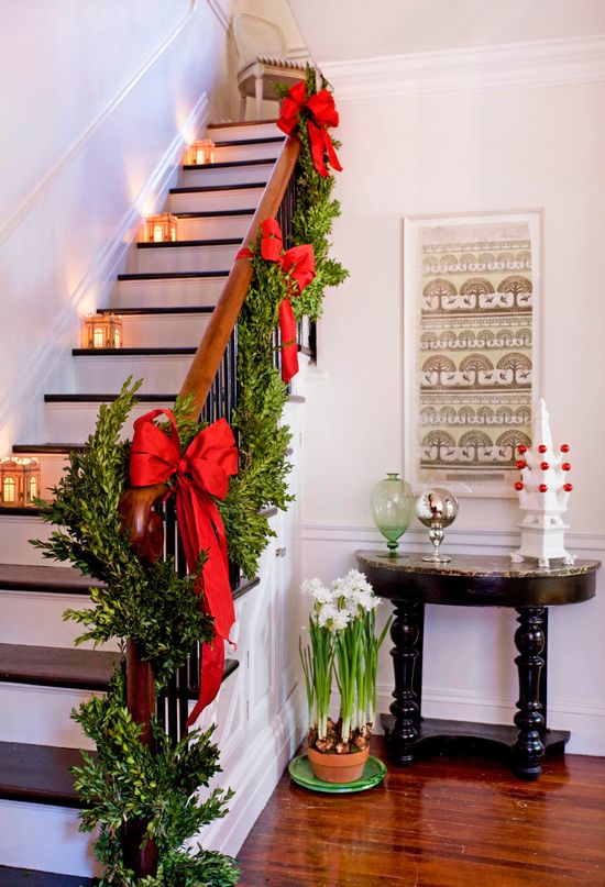 50 Stunning Christmas Staircase Decorating Ideas – Style Estate