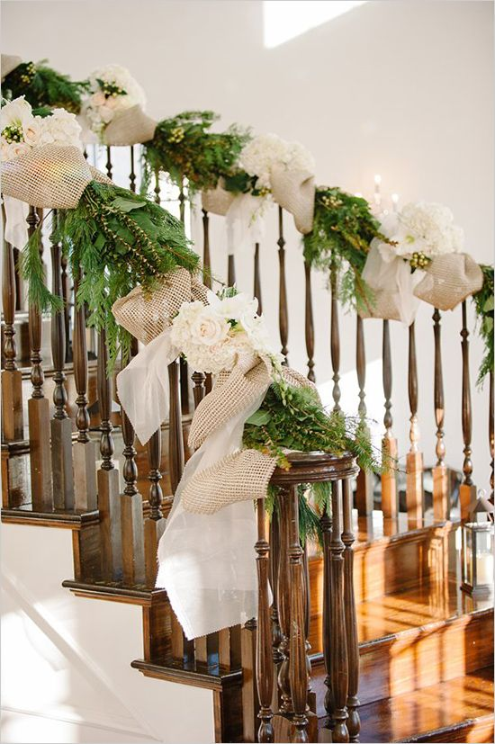 Christmas Stairs Decoration Ideas thewowdecor (4)