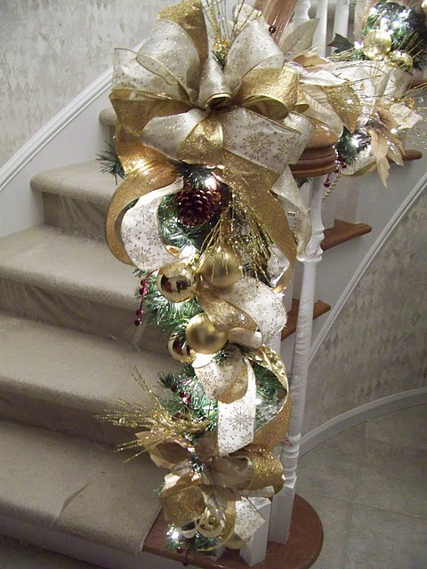 Gold Christmas Decoration Ideas (18)