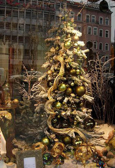 Modern Christmas Tree Decorating Ideas Design