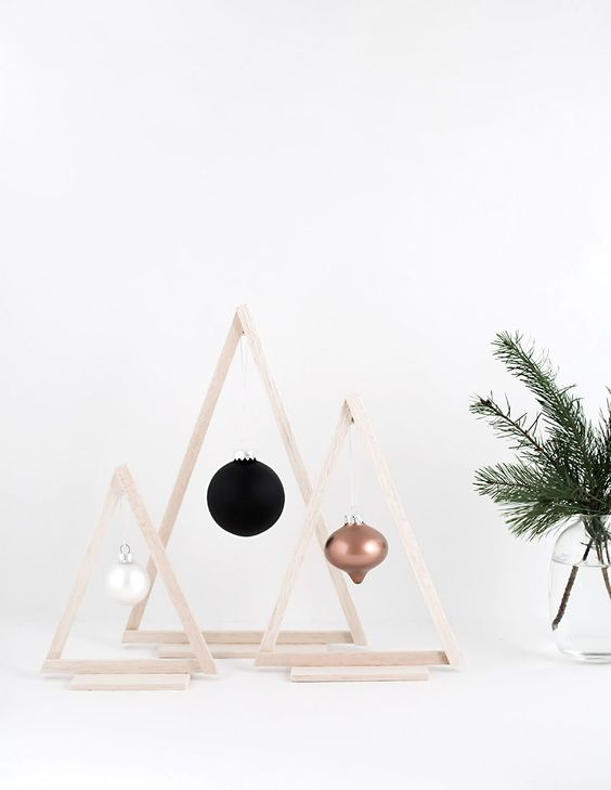 Modern Christmas Tree Ideas (18)