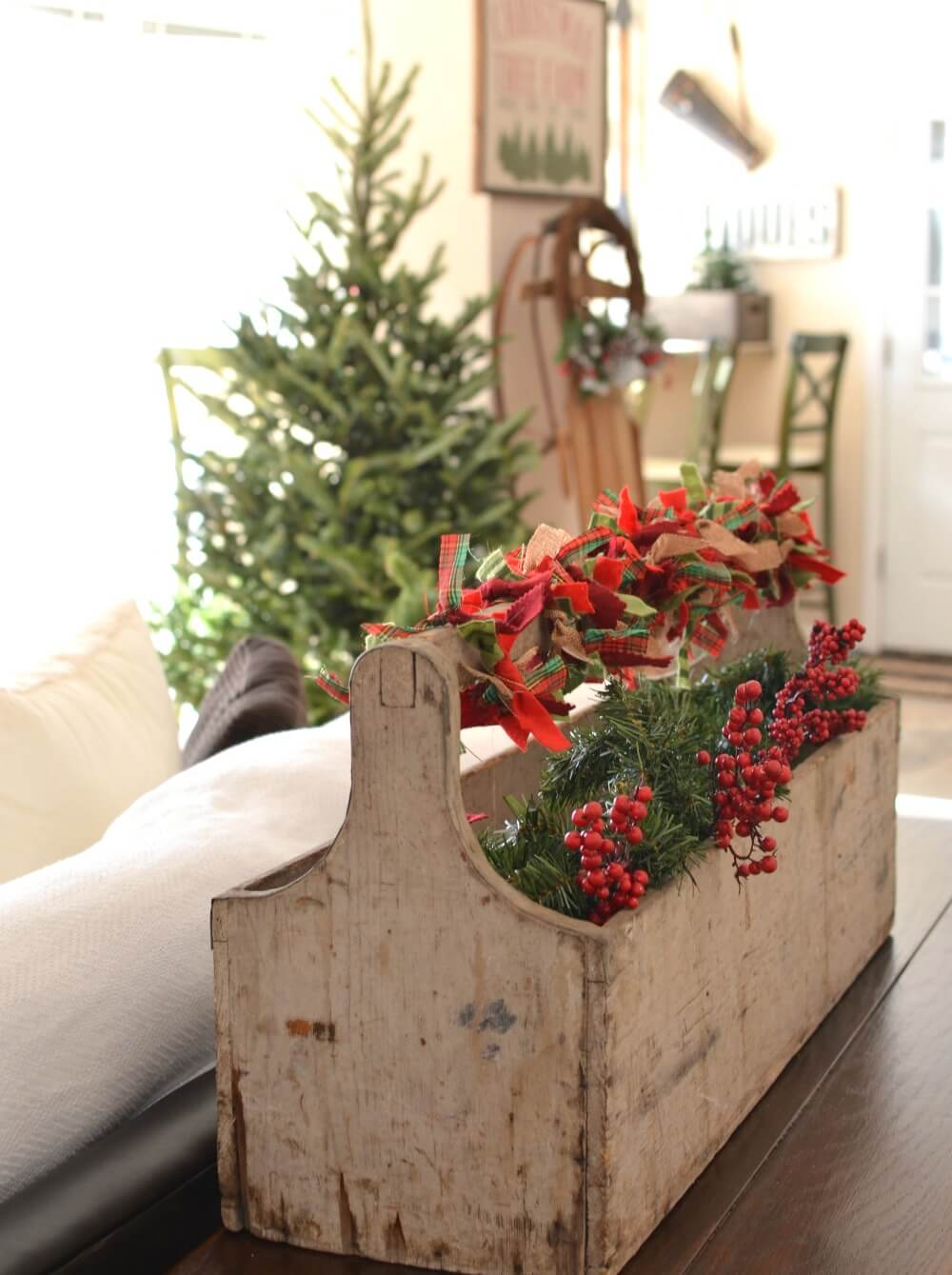 Primitive Caddy Full of Holiday Cheer thewowdecor