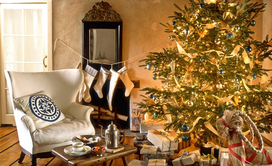 Gold Christmas Decor Ideas (11)