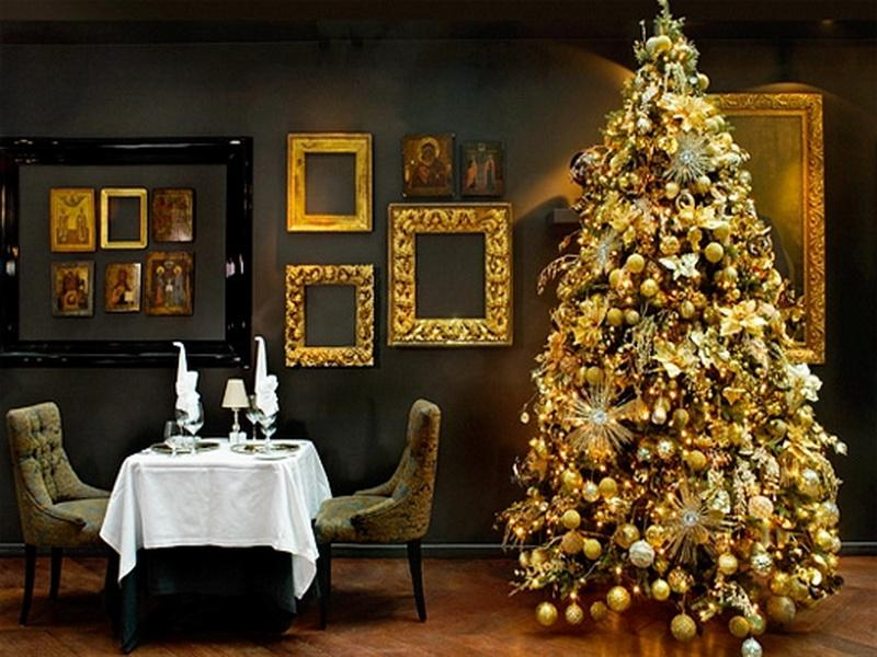 Gold Christmas Decor Ideas (5)