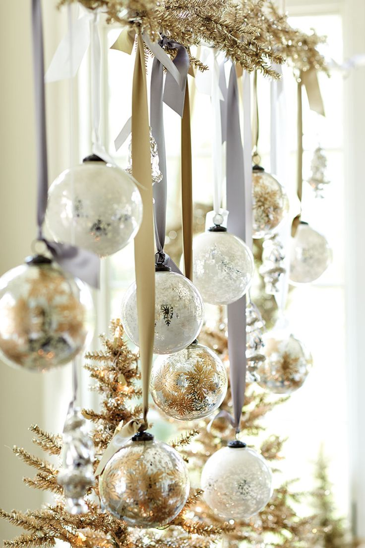 White and Gold Christmas Decorating Ideas