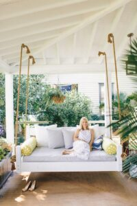 Choosing the Right Porch Swing