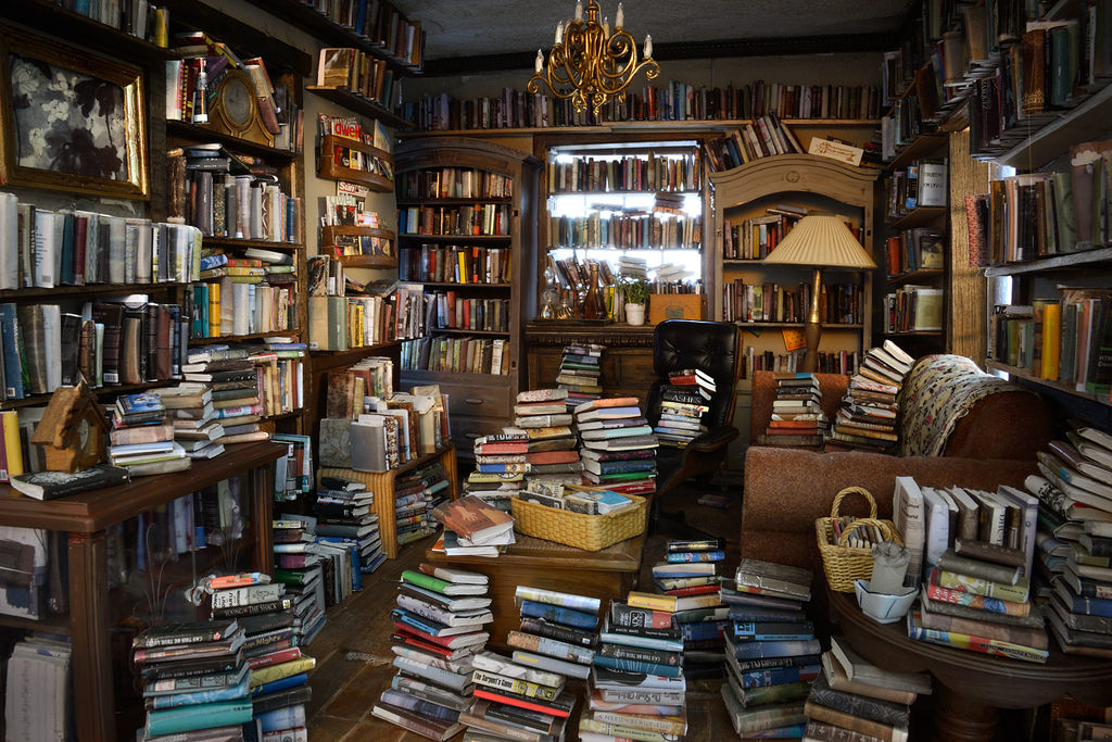 What's the best way to help a hoarder
