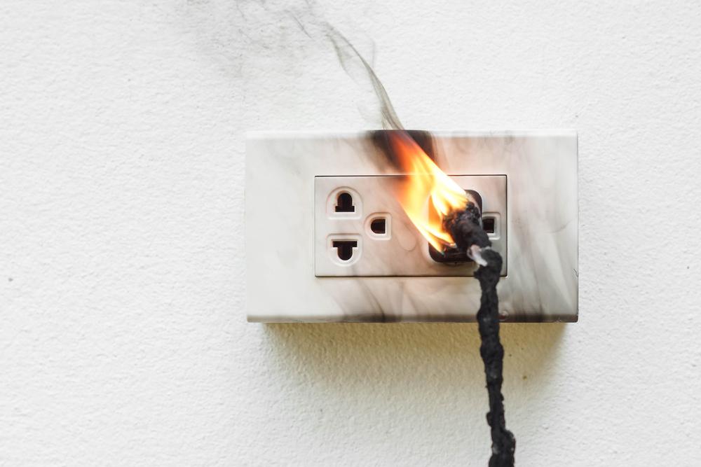 Loose plug outlets