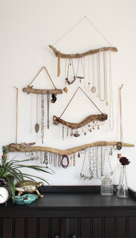 Use The Mostly Used Jewelry In Your Bedroom