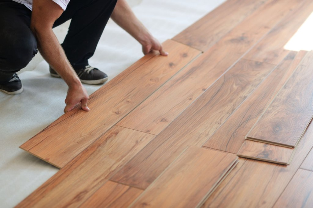 Laminated Floor Versus Hardwood Floor – Repairs