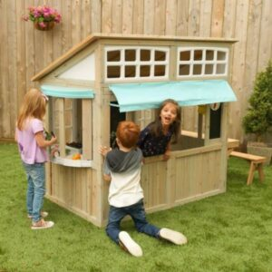 How to Use Your Backyard to Keep Your Kids Busy