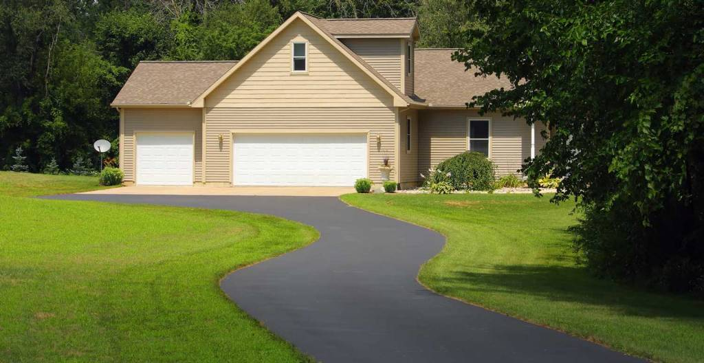 What Is the Best Time of Year to Call an Asphalt Paving Company