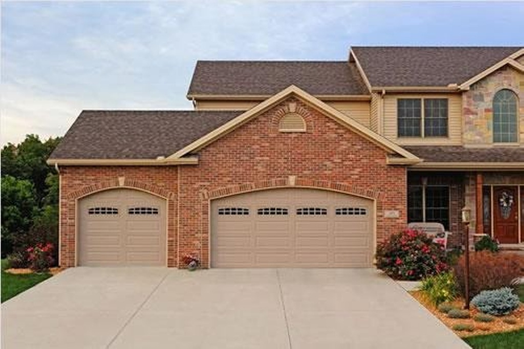 What needs to be considered while hunting for these top garage door repair experts