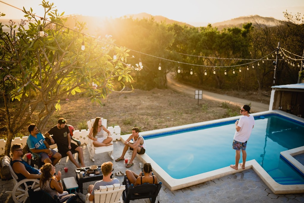 Organize a housewarming party with neighbours