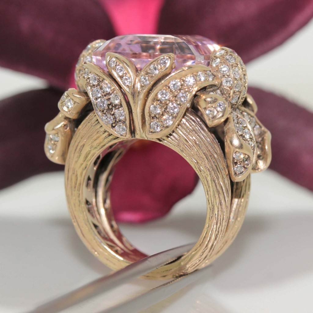 18k gold Pink Kunzite & VS Diamond Ring