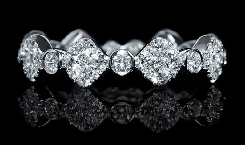 Diamond 18k White Gold Wedding Band Ring