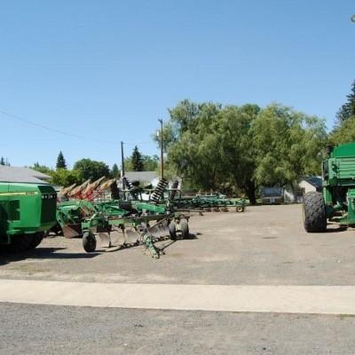 Farming equipment in Nezperce