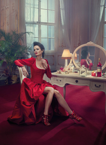 01_Campari_Calendar_2015_Mithology_Mixology_Eva_Green_Januaryweb