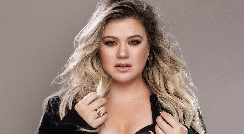 Kelly Clarkson is back