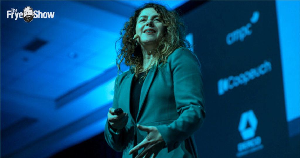 Pamela Chavez podcast sobre Bacterias & Aguamarina