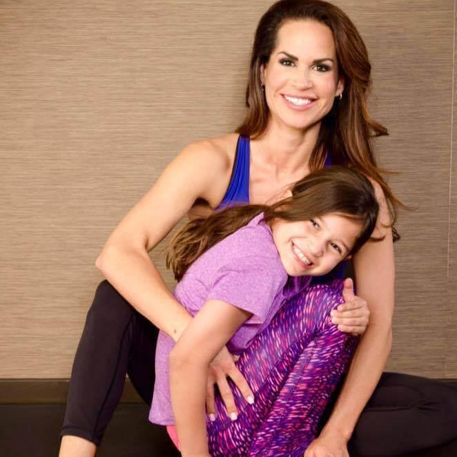 Image of Nina Waldman with her daughter