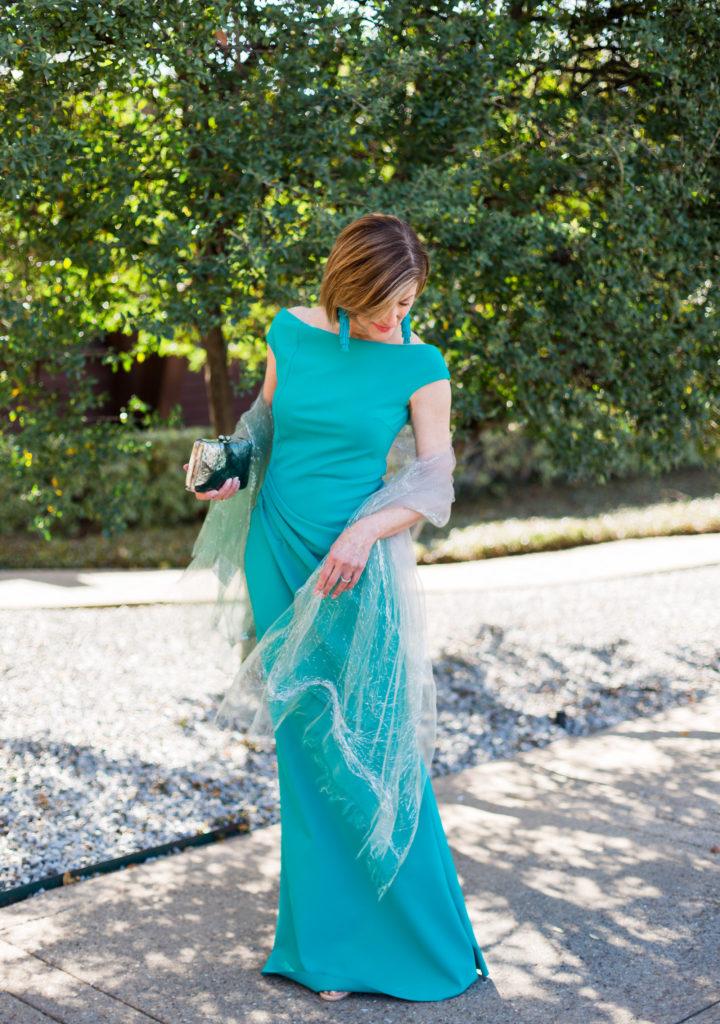 #eveningwraps #eveningdress #fashionblogger #over50style