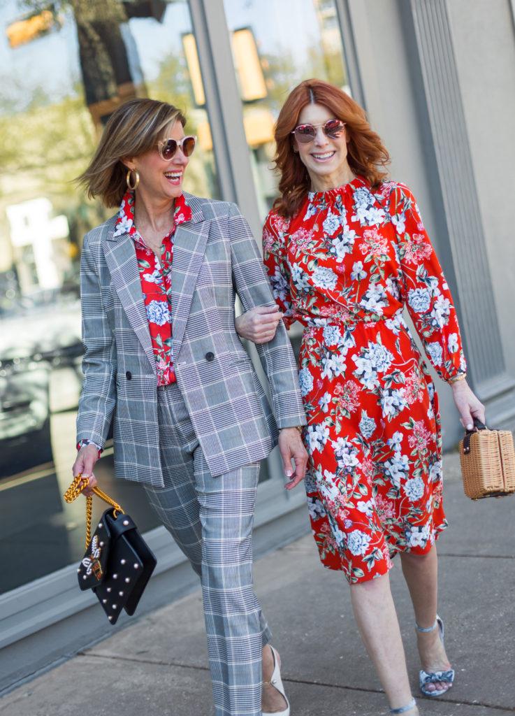 #fashionover50 #bloggerbuddies #springflorals #ontrend