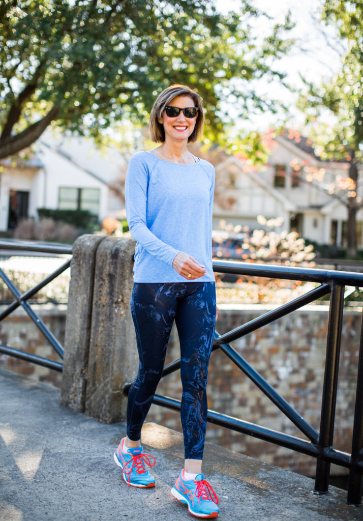 Over 50 blogger loves Gap for work out clothes
