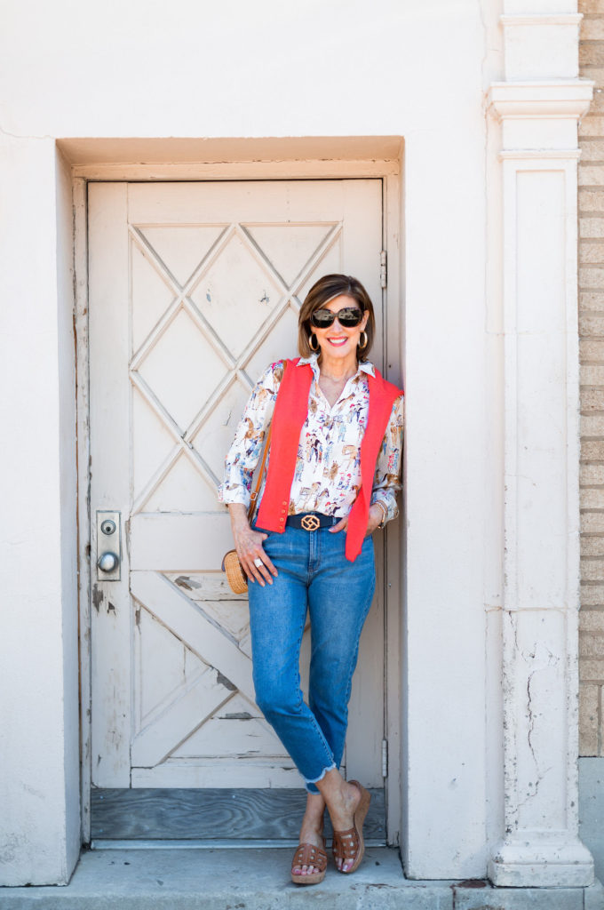 Dallas blogger wearing reversible belt and cashmere sweater