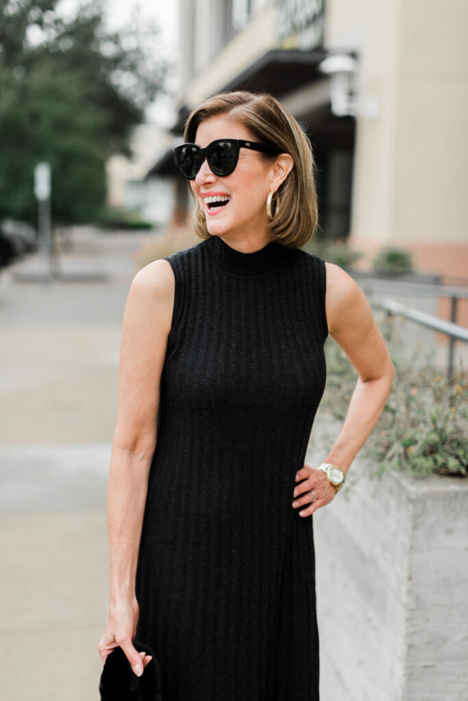 gold hoops from Claudia Lobao on Dallas blogger