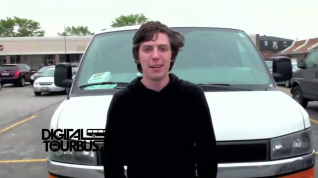 A Hero A Fake – BUS INVADERS Ep. 113