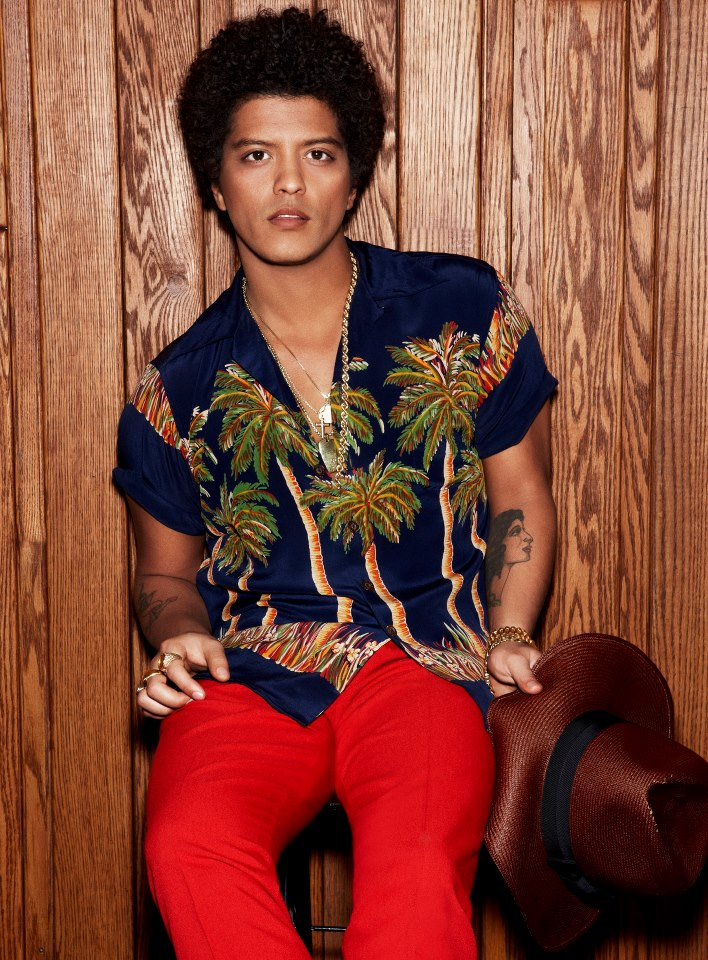 "Bruno Mars Announces ""Moonshine Jungle World Tour"" Support"