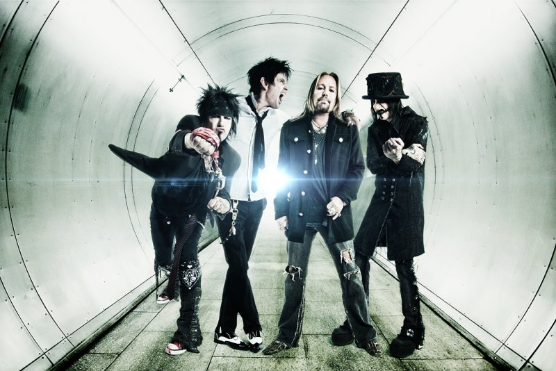 """Motley Crue Announce """"The FInal Tour"""" With Alice Cooper"""