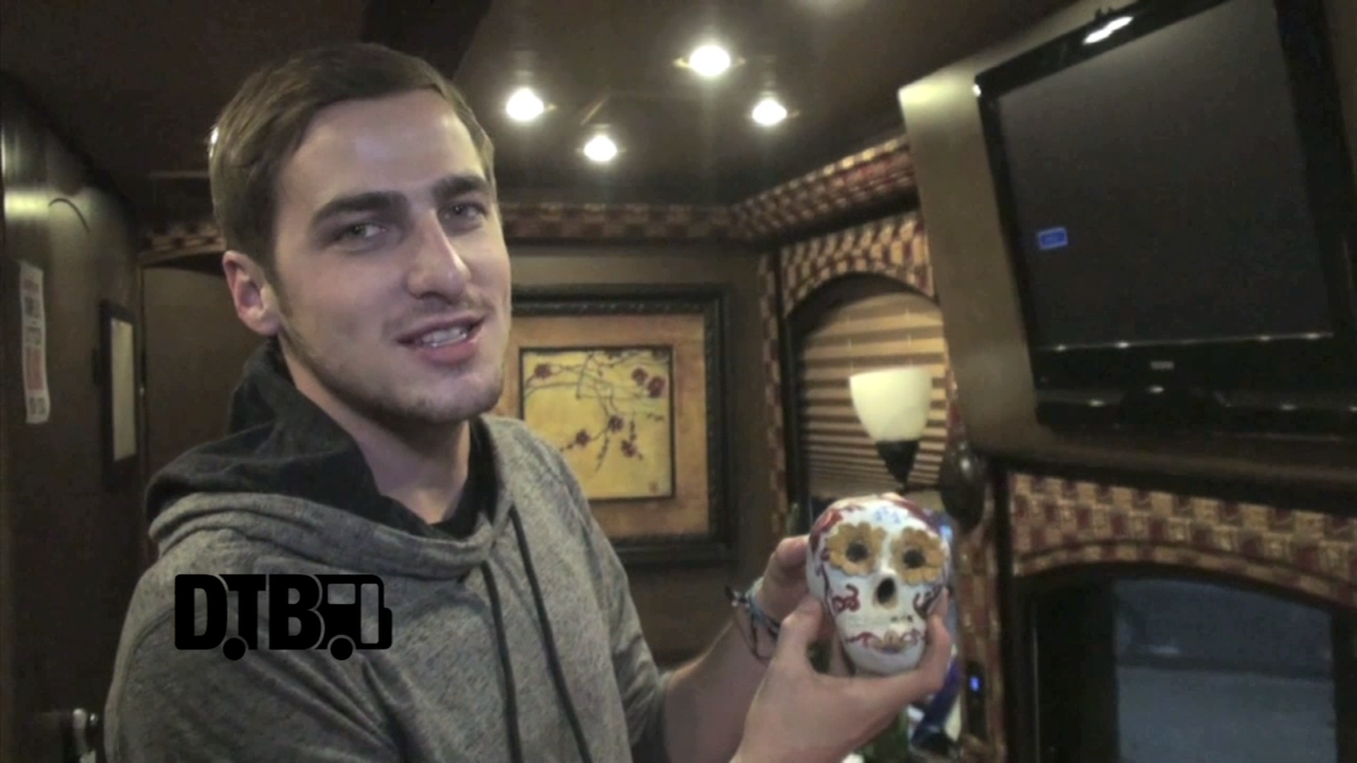 Heffron Drive – BUS INVADERS Ep. 548 [VIDEO]
